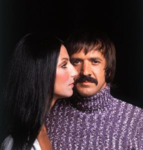 youtubejockey Sonny & Cher - The Beat Goes On   こんばんは。 2回続いて