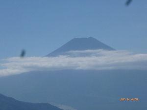 高尾山、陣馬山を好きな人 28日(土)、8年ぶりに初狩駅から高川山に富士山を観に行ってきました。 お天気も良く山頂は込み合って