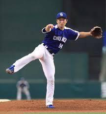 関東のドラゴンズファン! 剛速球も凄い変化球もない。 「プロなら打者で」と言われていた若者が、 ストライクを投げる勇気を武器に