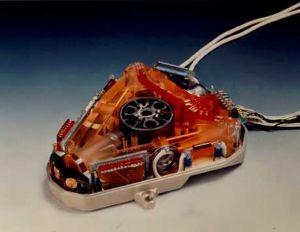アインシュタインのミス 光速度は一定ではない。  この装置レーザージャイロが証明した、サニヤック効果。
