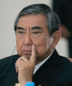 政治屋から日本を取り戻そう! 何も反論ができません!!                  政府の見解と異なる主張をすることはできま