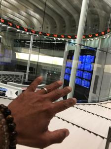 6723 - ルネサスエレクトロニクス(株) レインボーガンダム君応答セヨ  私は今書斎に入った 東証は閑散としていたさ