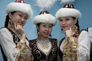 日本語の起源 トルコ系ラグマン・モンゴルマン代表 カザフ人