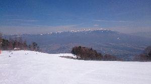 孤独なスキーヤーのスキー場の過ごし方 皆様、こんにちは〜(^-^)/  今日は富士パラで 春スキーを楽しんで来ました〜♪(^-^)  雪も