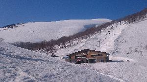 孤独なスキーヤーのスキー場の過ごし方 皆様、こんばんは〜(^-^)/  いよいよGWに突入 皆様は何処かへ滑りにいかれるのかな?  私はG