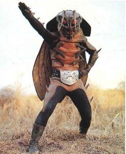 日本は蒸し暑いから嫌いだ ゴキブリ男連れてきたぞ。