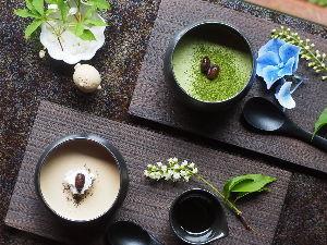 9432 - 日本電信電話(株) 皆さま、7月最後の営業日、お疲れ様でした。 喫茶去、ごゆるりと一服なさって下さい。 コロナ禍ですが、