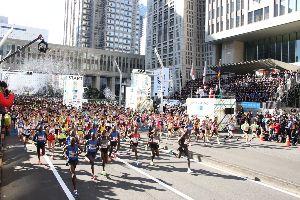 島津惟新義弘公 日本で、初めての男女の高速マラソンが見られた。日曜日に行われた「東京マラソン」のことである。小池知事