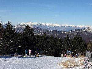 大動脈解離の部屋 スキーは朝一の血圧大丈夫なら、運動し始めてからは低めです。 夕方は寒くなる前に上がります。 三連休は