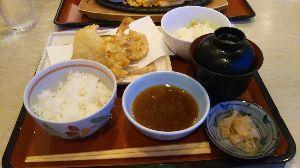 35年生まれ~39年生まれの方 ★夕食は札幌のファミレスで 天ぷら定食でした。 おやすみなさいv(・∀・*)