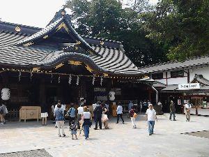 いつか金沢に住みたい 梅雨入りの関東地方、朝から雨です。 これからジメジメしそう。  海さん 金沢城の石垣や堀は大きくて重
