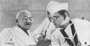 ホームレス人口1万3千人 安倍総理(当時)はインドを訪問し、      インド国民軍を率いて日本と一緒に戦った      チャ