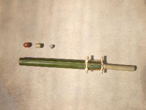60歳超えてどんな生活してるの? こどもの外遊びで竹工作のサンプルを作りました。 竹鉄砲ですがナイフを使う物と使わないでも簡単に でき