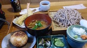 岩手 秋田 青森あたりで、蕎麦打ちやおいしい蕎麦屋さんの話をしませんか? 今回はもちろんバイクで江刺の探検もかねて出かけました。 江刺の町中の遊歩道の蔵の町並みを散策しました