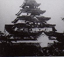 西会津は越後に売られたんだがね? 明治新政府が取り壊す直前の城には砲撃による無数の穴がいたるところに見られます…