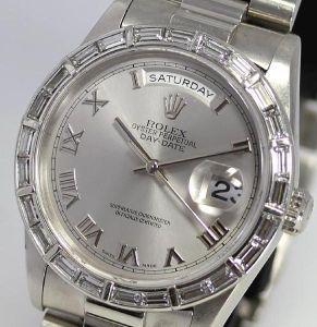 シギナ プリーズ。 これもええけど、、 ダイヤ入りはピリピンにはめて行くと時計だけやなく 腕も一緒に切られるから...
