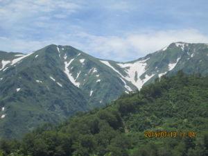 中高年で日本百名山を始めました こんにちはやまやです 予定どうり九州は雨続きで 飯豊山はまれに晴れでした 花も最高に咲いていたようで