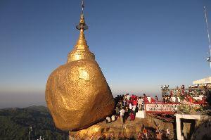 カンボジアへ行っちゃいました。 ちよっとした話題です。 ◆カンボジアとミャンマー「遺跡観光」で手を握る  2017/8/17  NI