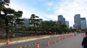 楽しい時間を一緒に過ごしませんか? 皇居から東京駅方向です。