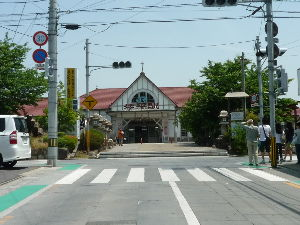 神さまもゴミ屋敷にはかなわない ここが今回の出発点JR琴平駅です。