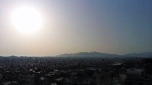 70才以上の部屋ですよ。 今朝の東の空、山の向こうは長野県、その向こうに群馬県です\(^_^)/