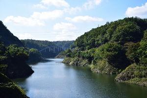 川西市周辺で女友達&彼女になってもいい方いませんか~ 兵庫県川西市 一庫ダムの風景です。 9日の祝日に撮影しました。