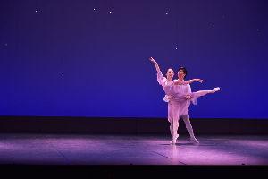 川西市周辺で女友達&彼女になってもいい方いませんか~ クラシック・バレエの発表会を見に行って来ました。 生で見るのは初めてだったので行けて良かったです。