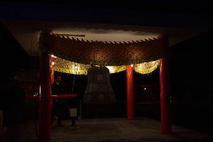 川西市周辺で女友達&彼女になってもいい方いませんか~ 明けましておめでとうございます。  池田市 寒山寺の除夜の鐘の風景です。