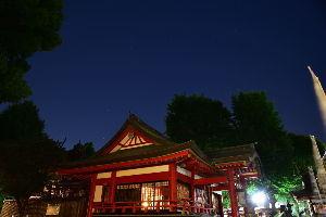 川西市周辺で女友達&彼女になってもいい方いませんか~ 池田市 呉服神社と星空です。  呉服神社は織姫伝承があるので七夕の前後に撮りたかったのですが、昨夜