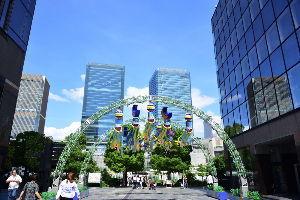 川西市周辺で女友達&彼女になってもいい方いませんか~ 大阪・梅田 新梅田シティの七夕飾りです。 撮影日は7月1日(日)です。