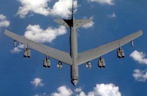 南シナ海の領有権問題 > B52に爆弾をどれだけ詰めるだろうね。   31.7t積めるようですね。 B29が9t積み