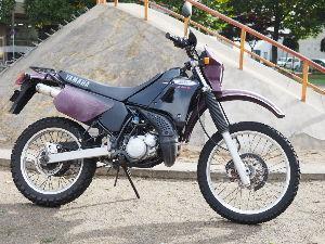 DT125Rを買っちゃいました(^^) 夜露さん、こんにちは(^▽^)ノ  実はあれから何回かオーバーフローが起こってまして、再度バイク屋に