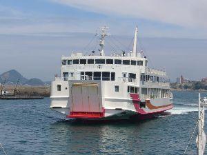 小さな旅って 仕事で近くまで行ったので 防予汽船のフェリーの乗船場に行ってみました。 天気は快晴 風も無く 穏やか