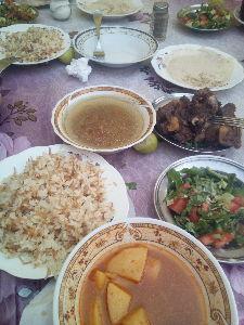 バンコクで一人暮らし始めました エジプトでいちばんうめぇーもんは 牛肉をとろっとろにトマトで煮込んだタジン 週いち喰わないと禁断症状