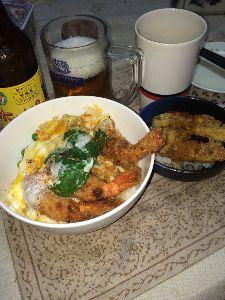 蟹と共に去りぬ (^ω^)餌で釣る〜!  海老フライの卵とじ丼と、茄子フライのソースかけ丼ですぅ〜!。チ