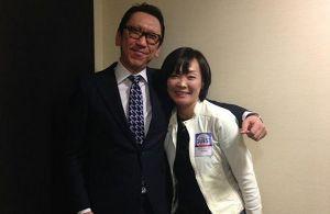 チャン、チョンを笑うトビ、暇 爺、わしの日本人彼女を紹介しよう。 どう?美人だろう。