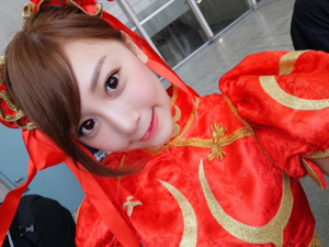 7782 - (株)シンシア 最近、ゲームショウとかでコスプレしてるROSE MAという韓国の人かわいいから、カラコンのモデルで使