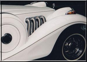 ■ 仕方なく一人ドライブ ■ 同じく、オープンカー、V8の5,000ccのエンジンでした。名前ドウーラです。春、秋が気分 良いです