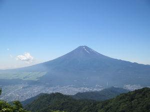 神奈川発 山歩き初心者の集い みなさん^^カズさん^^ こんにちは(#^.^#) カズさん^^素晴らしい景色ですね。。。 私もいつ
