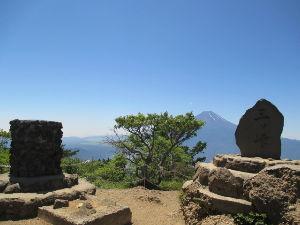 神奈川発 山歩き初心者の集い こんばんは^^おつかれさまです(#^.^#) 世捨て人さん^^どなたかのブログかヤマレコで