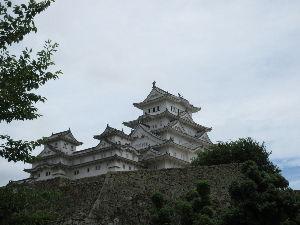 「隠れ家」を見つけに・・ 大雨で被害が出てるけど、 一週間ずれてて助かったかも💦  姫路城へ行って来た。 マイル使って・・