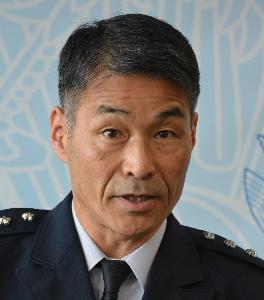 ニュース textream 空軍参謀総長の丸茂吉成でございます。 『天皇制 反対!』 『総理大臣はけしからんッ』 『財務省・文部