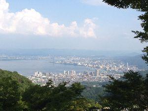 飯友探してます 昨日は世界遺産の比叡山延暦寺でパワーをもらって来ました。 ぺチぺチはしてきませんでしたが(^_^;)