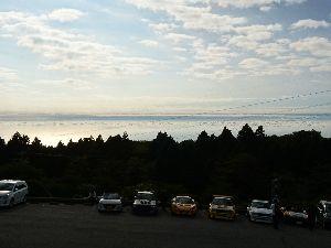 刀 元気ですか! 箱根大観山で見事な雲海を見ました。