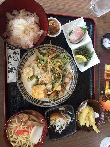 いろんな話出来たら嬉しいです。 人生初の沖縄旅行にやってきました。 国際通りで食べた、沖縄ランチが美味しかったです。 量が多すぎて、