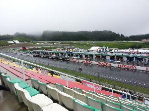 福島県を走ろう 菅生でバイクレース観戦してきました。 朝から雨ザアザアでしたが、さすがプロライダーでした。