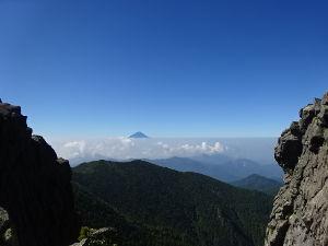 御岳山へ レッツらGO! 金峰稜線からの富士山^^ 綺麗でしたよ。。。(#^^#)