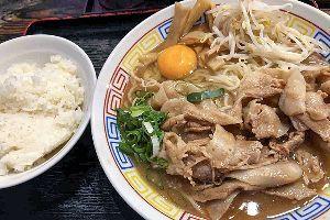 3984 - (株)ユーザーローカル 東京で食べる徳島ラーメン。。  本当は半チャーハンも食べたいけど、ヲカネがないから、無料のライスで我