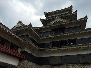 マターリ連絡用 長野の松本城に行きました。すごい人で大変だったけど、立派なお城で感激しました