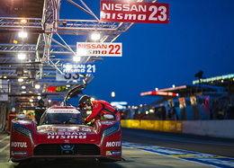 ニッサンGT-R LM ニスモって? 【失墜】 予選トップのポルシェから大幅に遅れた日産勢。 3台ともトップタイムの110%に入れず、LM